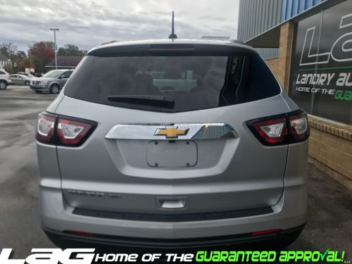 small resolution of 2017 chevrolet traverse ls img 4