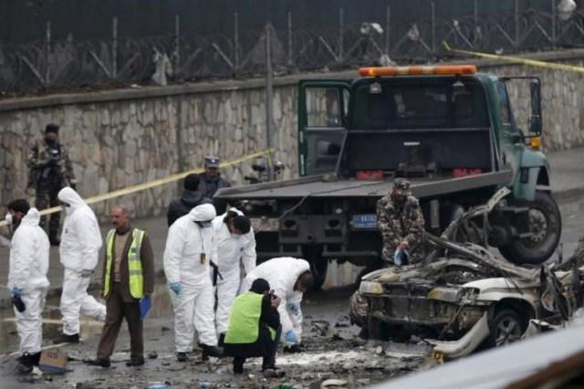 अब काबुल एयरपोर्ट के पास आत्मघाती हमला