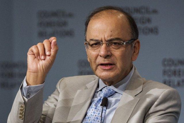 वित्त मंत्री के रूप में मनमोहन शानदार, पीएम बनने के बाद सुधार ठहर गए: जेटली