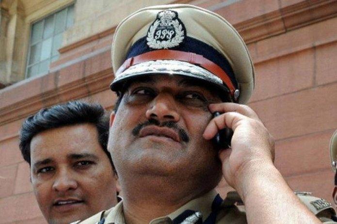 दिल्ली में एसीबी प्रमुख मीणा पर गिरी गाज, भेजे गए अंडमान निकोबार