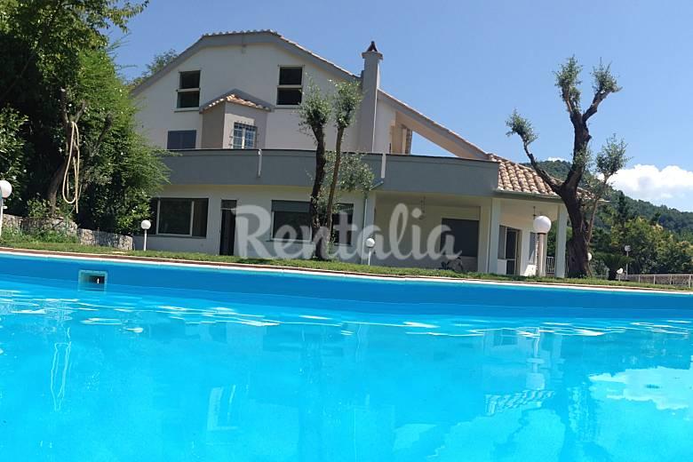 Villa con piscina vicino PompeiNapoli Positano  Marini Cava de Tirreni  Salerno Sud Italia