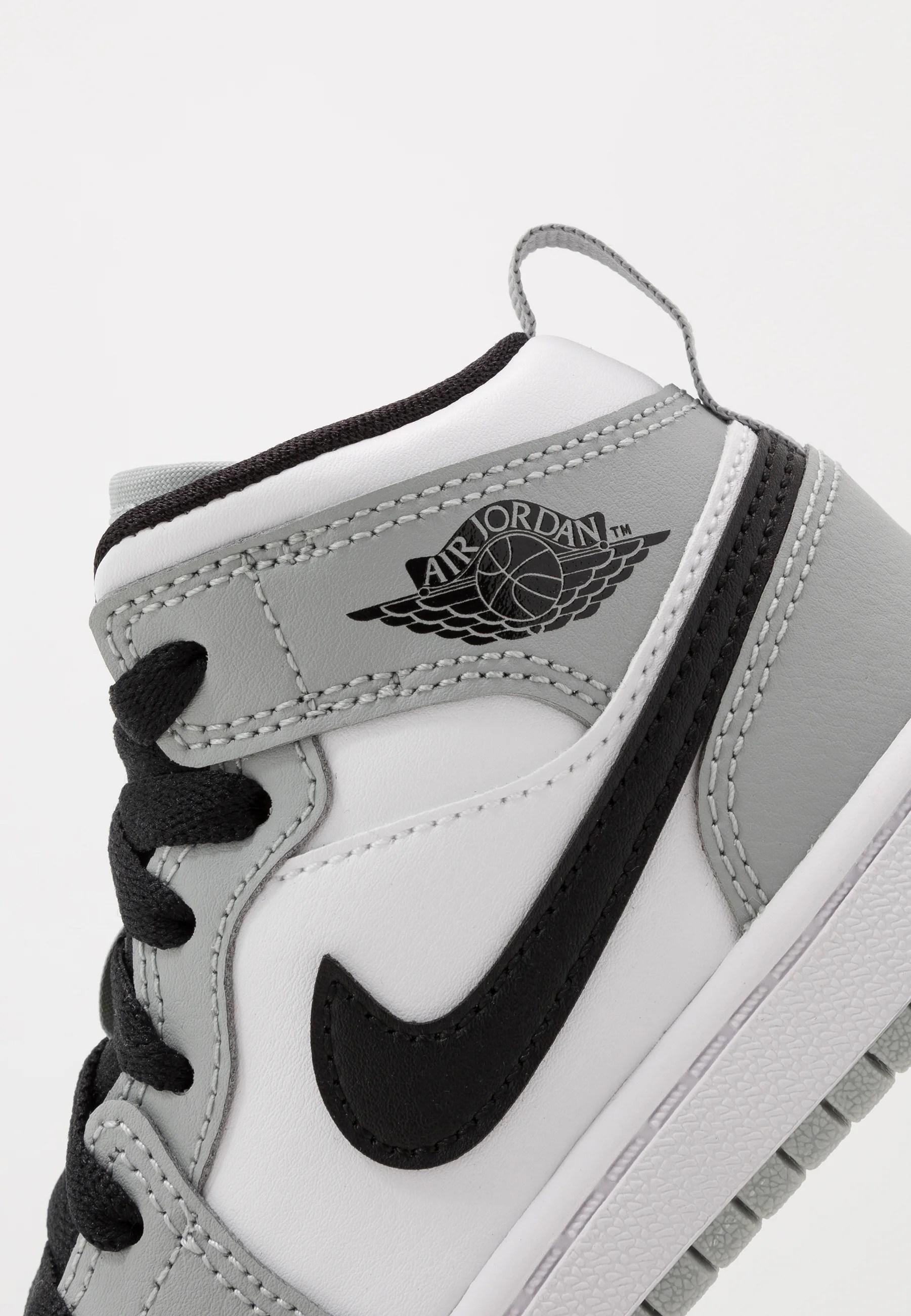 1 mid unisex chaussures de basket light smoke grey black white