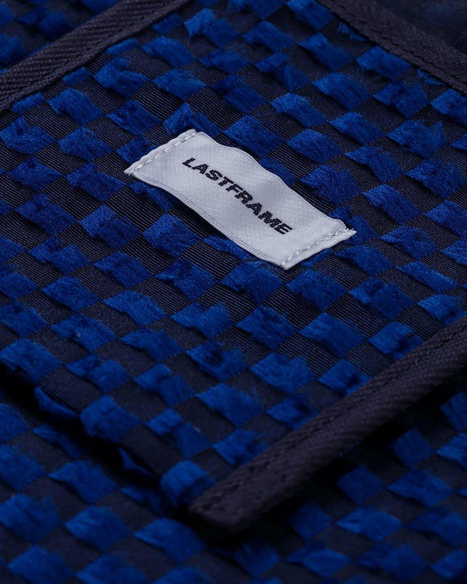LASTFRAME ジャガード万能バッグ ネイビー x ブラックの写真