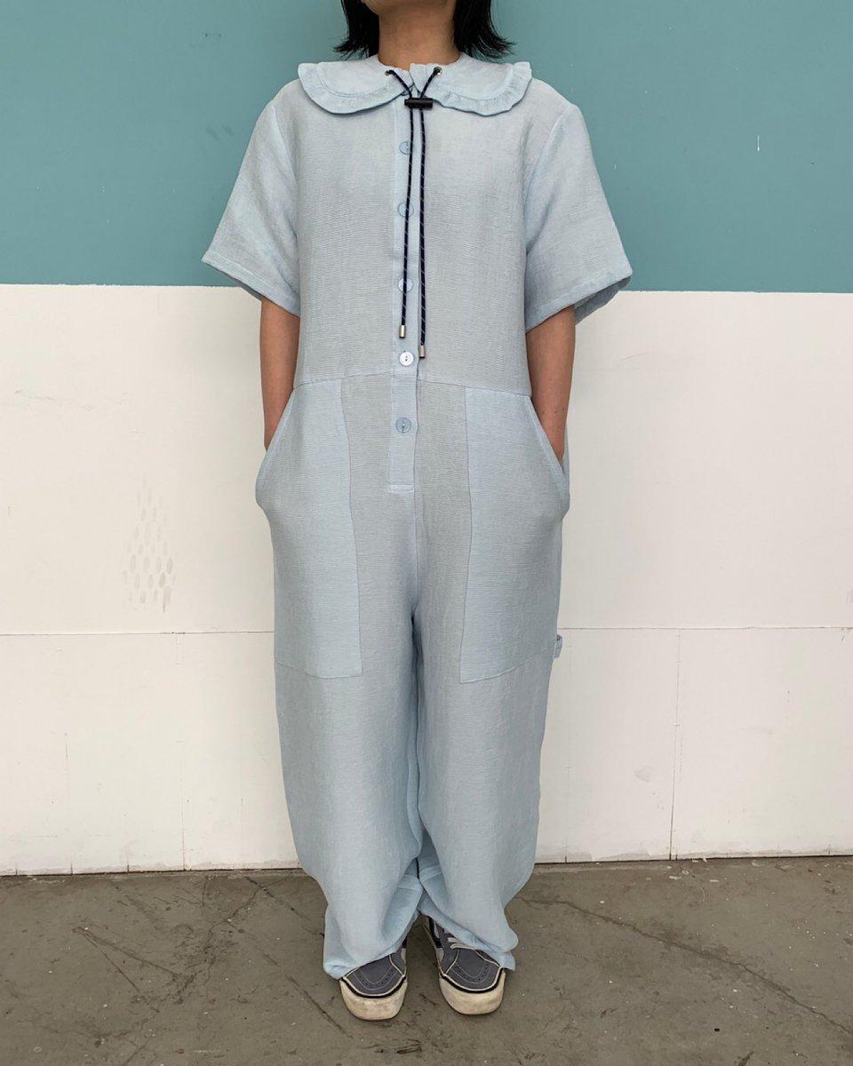 オーバーサイズ ジャンプスーツ ソフトブルーの写真