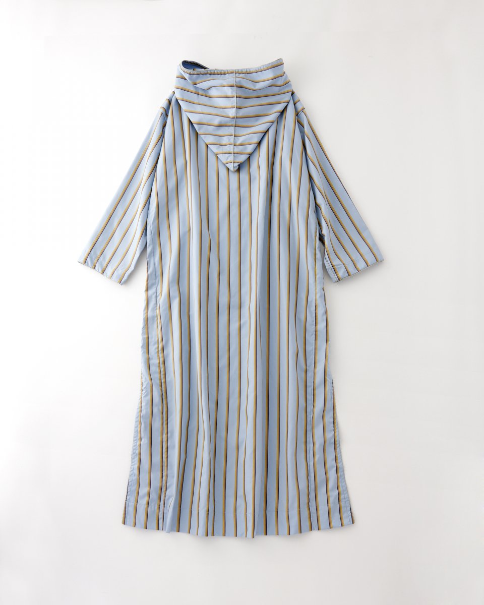 WRYHT フーディーストライプドレス ライトブルーの写真