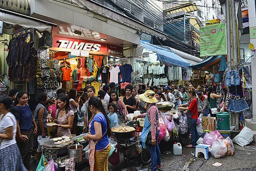 Pratunam Market Bangkok Shopping Review  10Best Experts