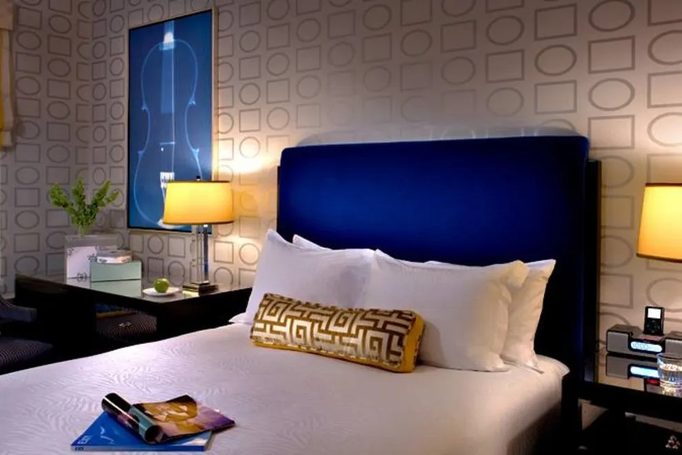 directions to living room theater boca raton furniture springfield mo hotels near united center in chicago kimpton hotel allegro