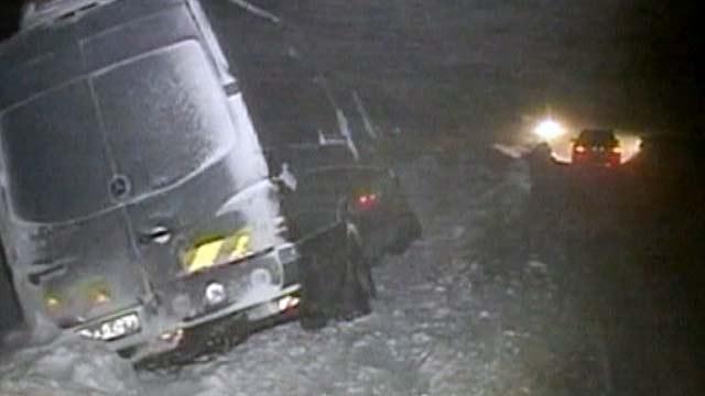 Обильные снегопады, накрывшие Европу, привели к транспортному коллапсу во многих странах
