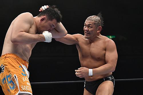 Minoru Suzuki strikes!