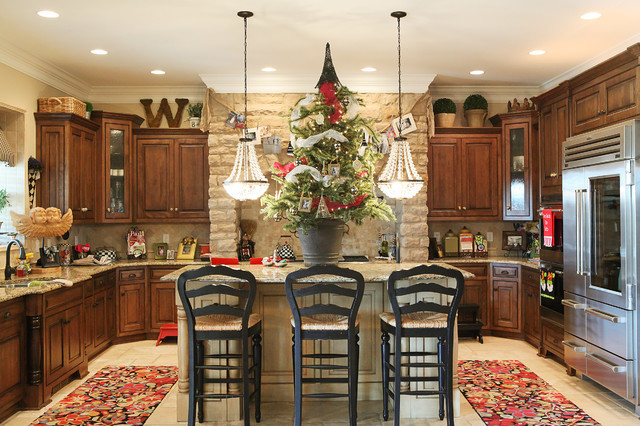 8 Perfectly Decorated Holiday Kitchens