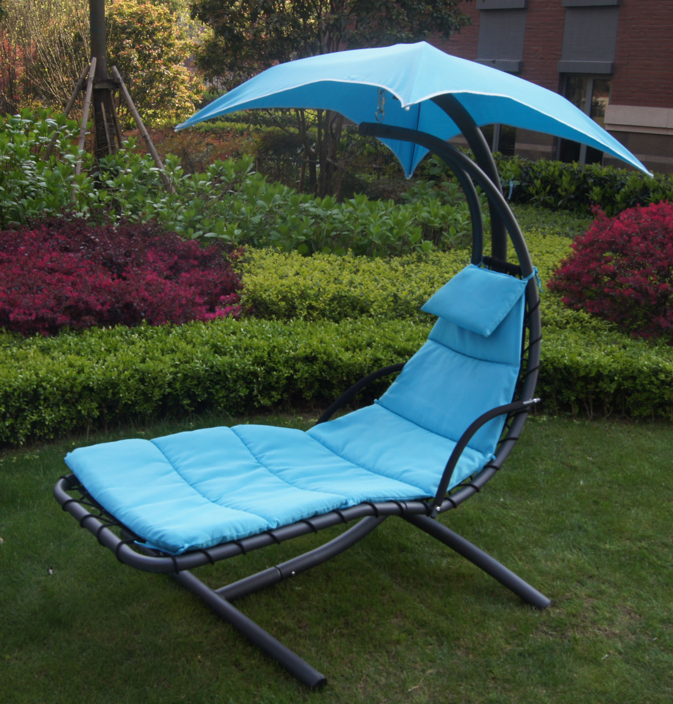 hanging umbrella chair lazy boy gaming uk patio chaise lounger with garden