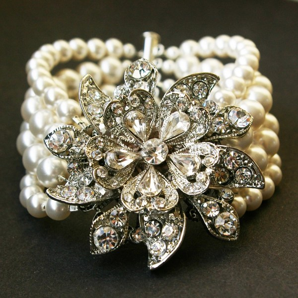 Vintage Style Bridal Bracelet Ivory White Pearl Luxedeluxe