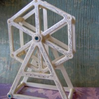 Ferris Wheel Earring Holder