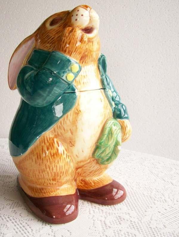 Vintage Cookie Jar Peter Rabbit Sigma Tastesetter 1980s
