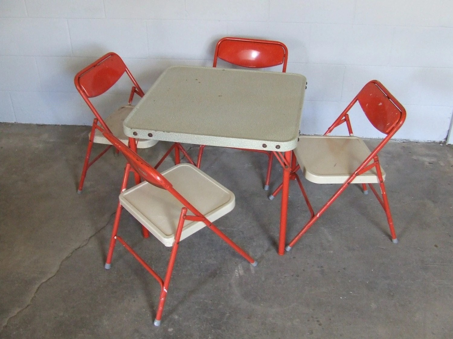 Folding Table And Chairs For Kids Vintage Samsonite Childrens Folding Table And Four Chairs