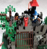Vintage Lego DARK DRAGON'S DEN 6076