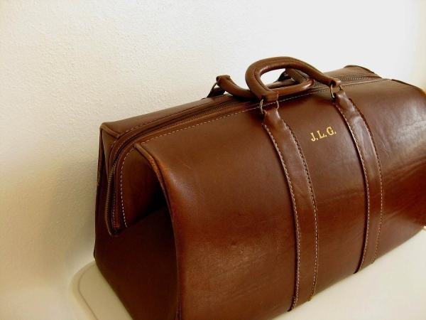 Exceptional Large Leather Gladstone Bag