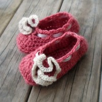 Items similar to CROCHET PATTERN Ruffle Flower Baby Shoes ...