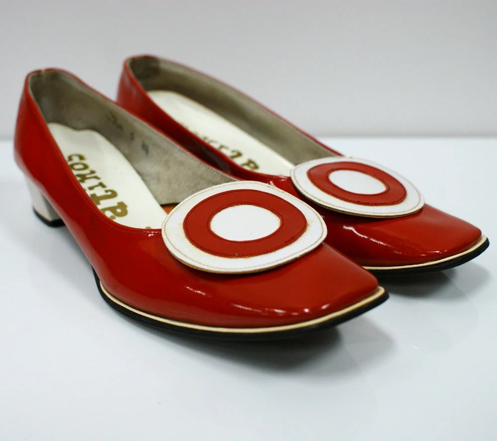 1960s Red and White Mod Target Flat Shoes sz 75