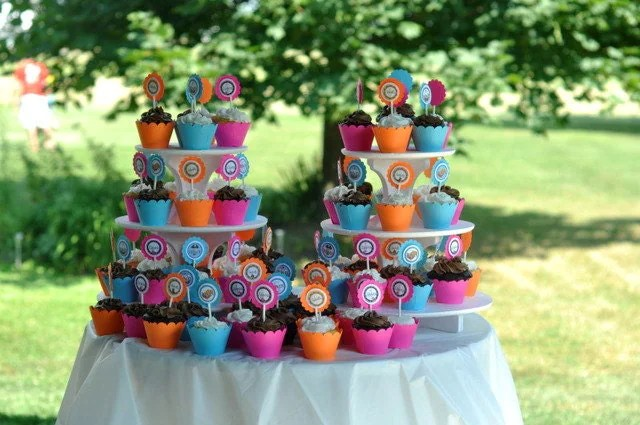 CUPCAKE WRAPPERs Cardstock Paper Cupcake Holders Scalloped