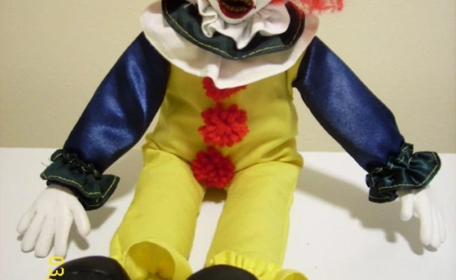 Pennywise The Killer Clown