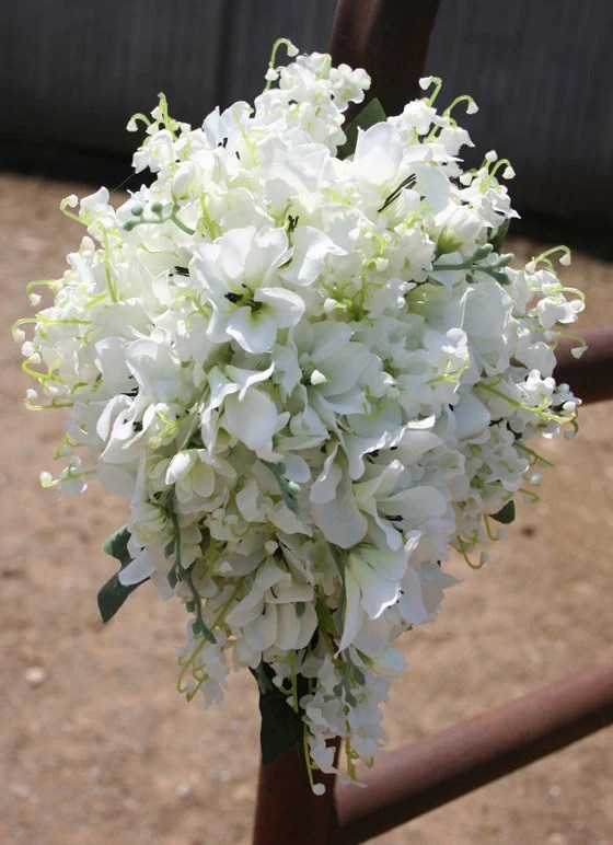 Replica of Kate Middletons Bouquet with Lily of the