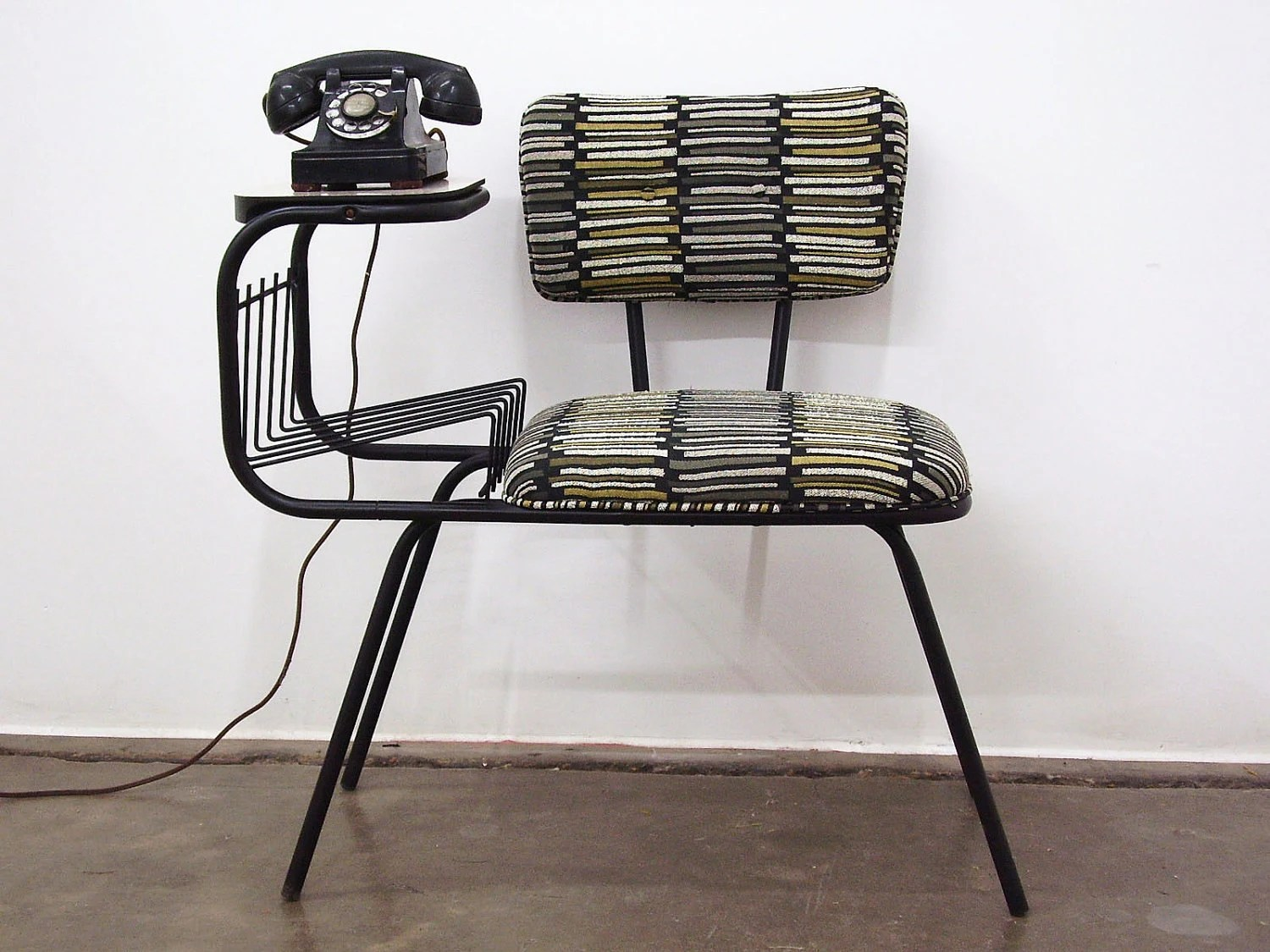 Vintage Mid Century Wrought Iron Gossip Telephone Chair