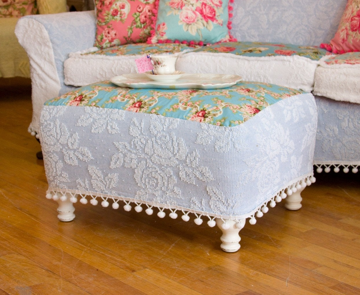 white slipcover chair and ottoman childrens table chairs new zealand shabby chic chenille bedspread roses pom