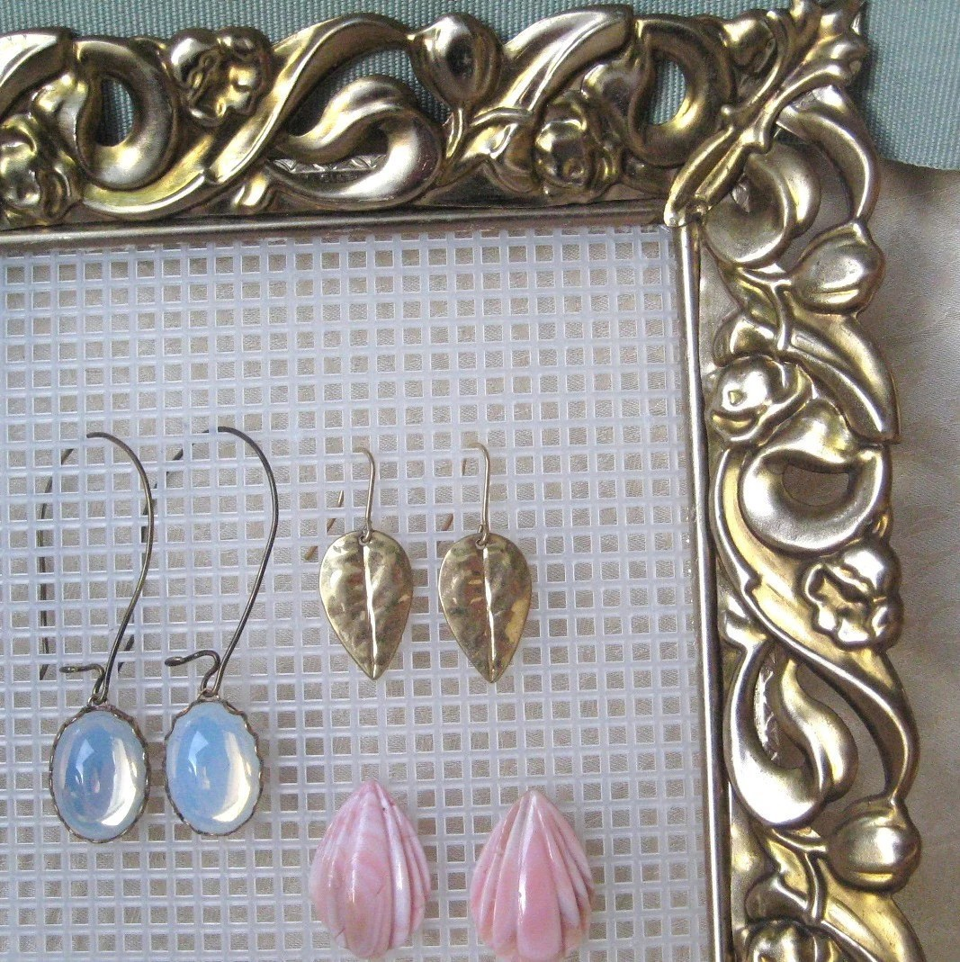 Vintage Metal Picture Frame Earring Holder Jewelry By