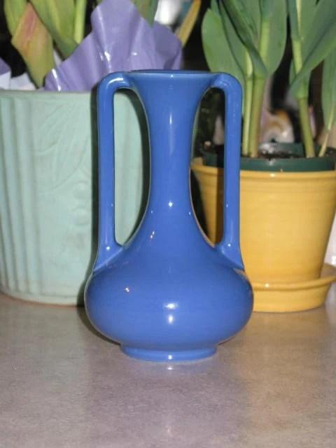 Trenton Potteries Company 1935 Art Deco blue VASE Trenton New