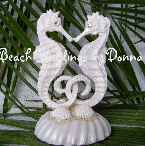 White Kissing Seahorse Cake Topper