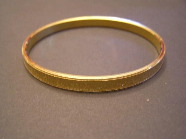 Vintage Crown Trifari Gold Tone Bangle Bracelet Size Medium