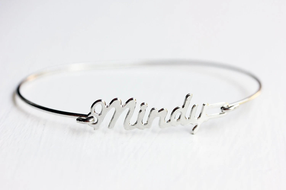 Vintage Name Bracelet Mindy