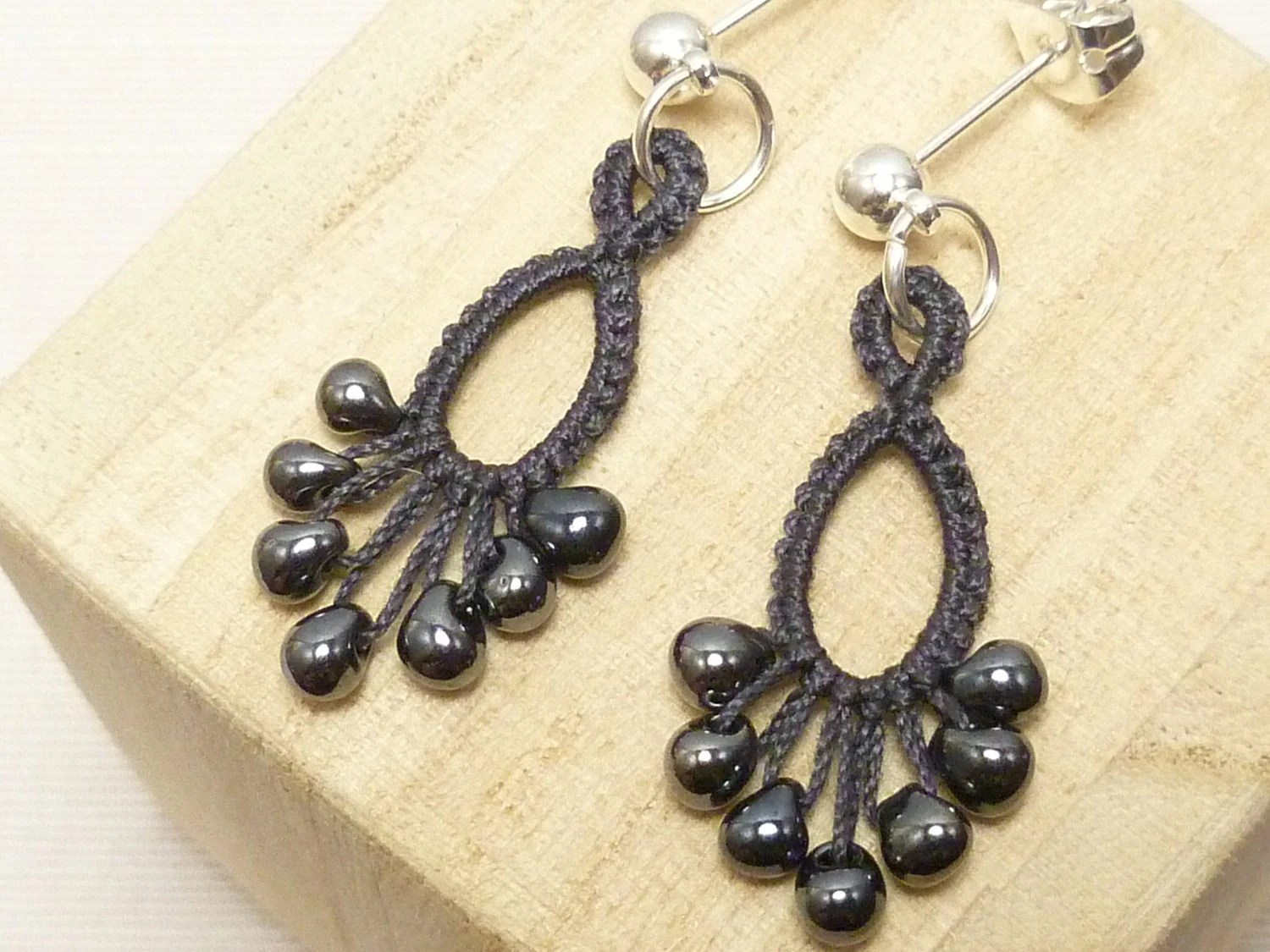 Earrings in Dark Gray Tatting -Flash Drips