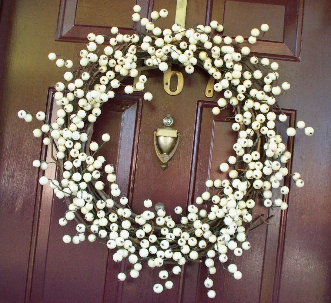 White Berry Wreath by AprilHilerDesigns on Etsy