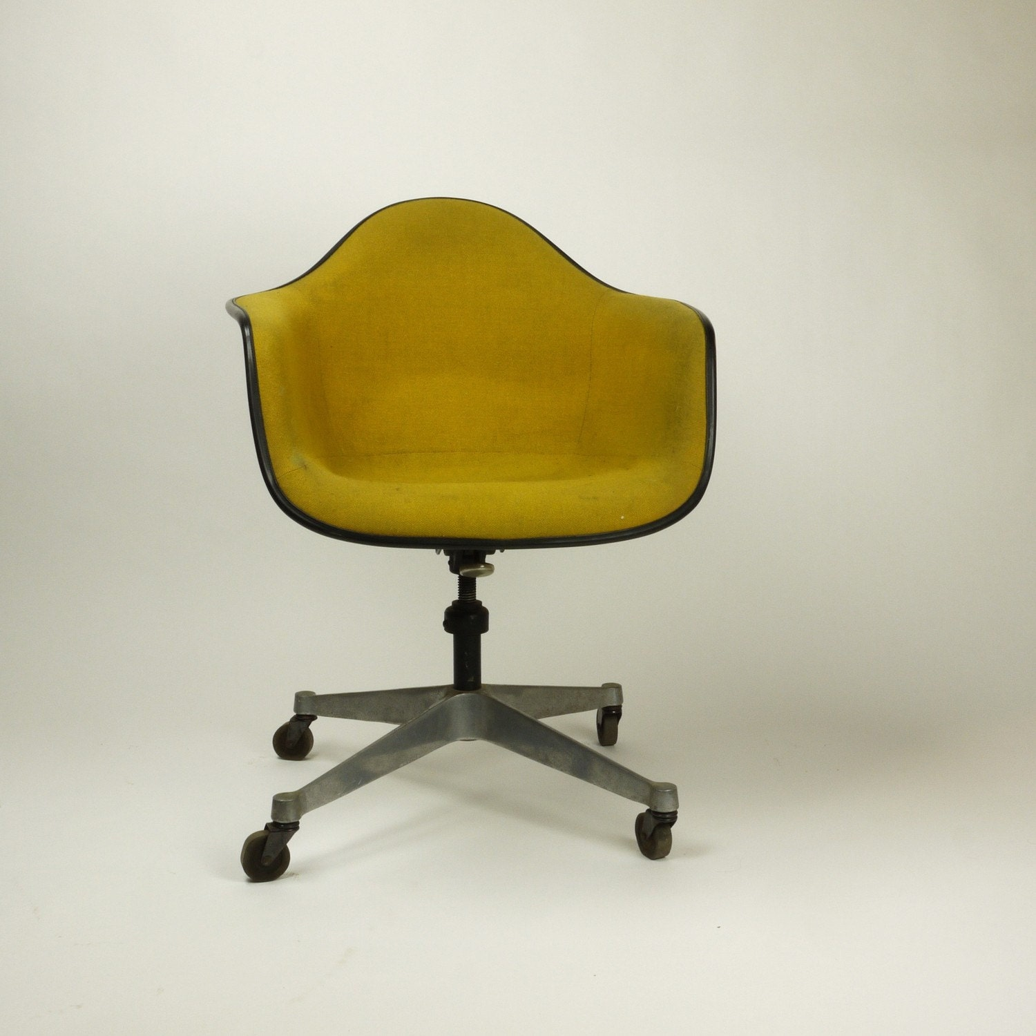 vintage office chairs jrc fishing chair accessories mid century herman miller upholstered shell