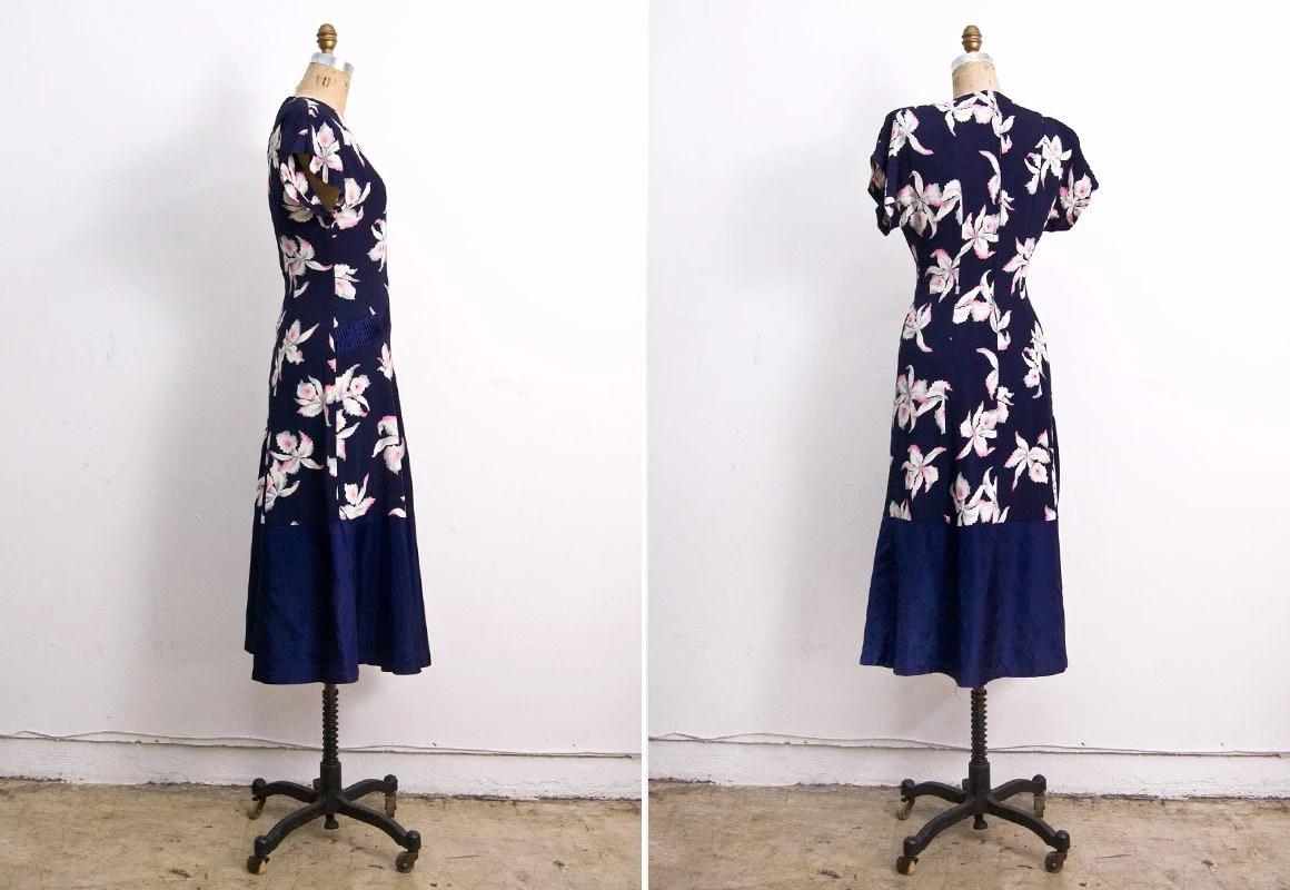 Vintage 1940s Dress / Navy Silk Orchid Floral 40s Dress