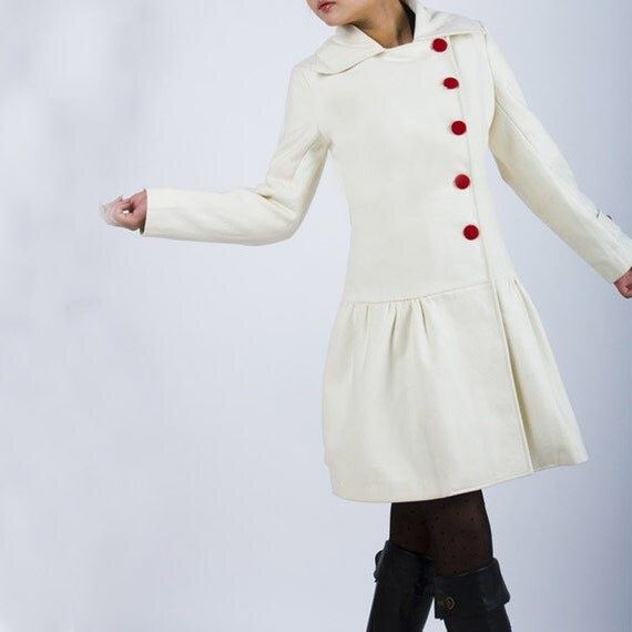 Snow - white woolen coat