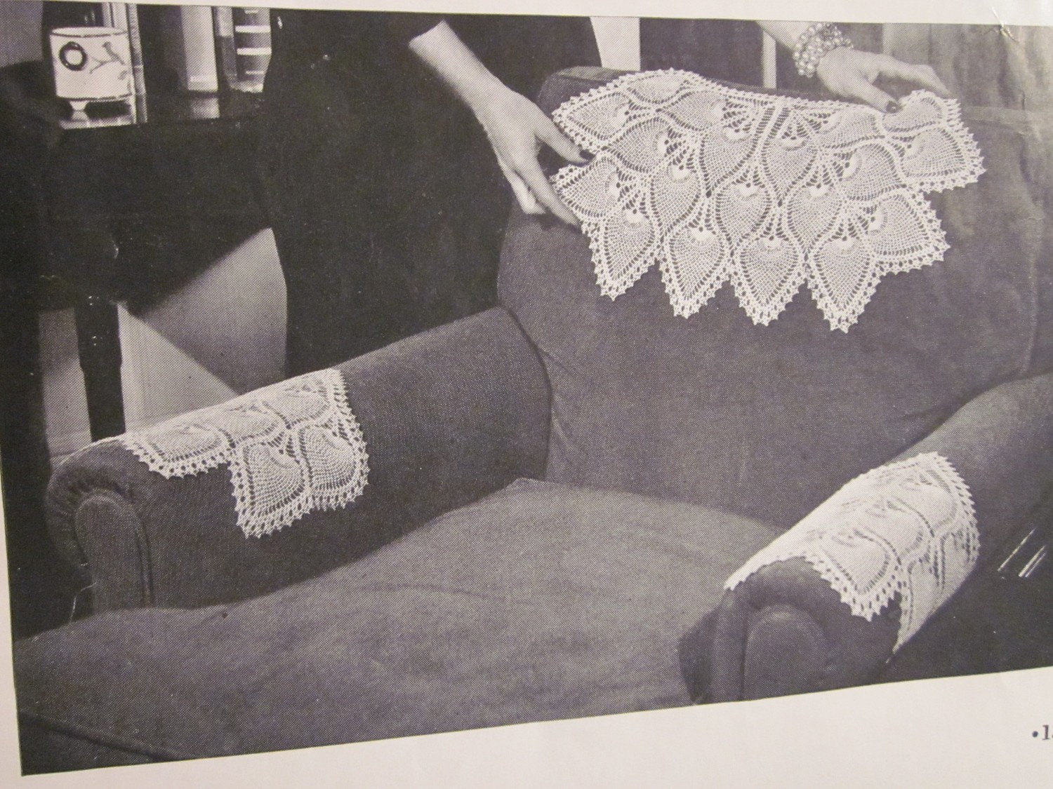 chair arm protectors pattern fairfield furniture chairs crochet 1940s pineapple set antimacassar vintage