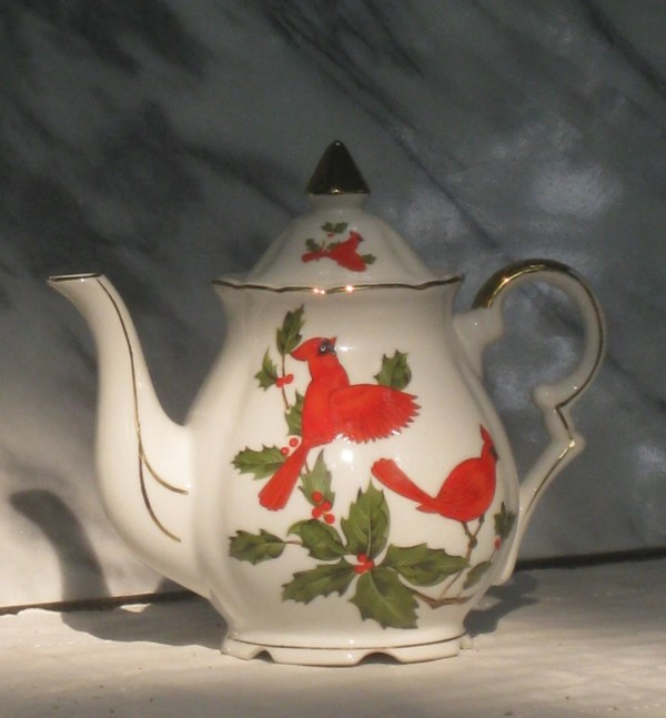 Lefton Christmas Cardinal Teapot With Holly