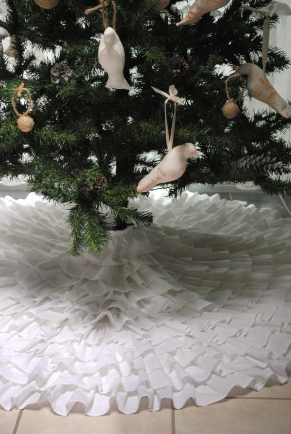 Ruffle Christmas Tree Skirt Paulaanderika