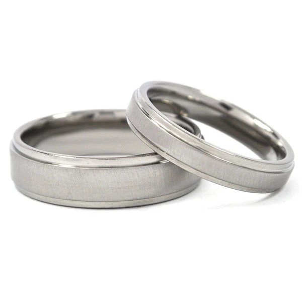 New His And Hers Wedding Band Set Titanium Rings: