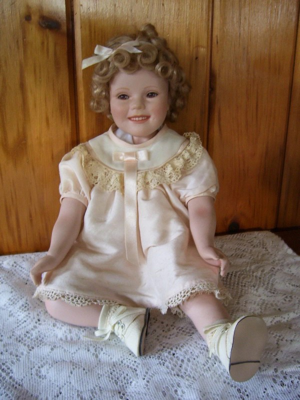 Shirley Temple Porcelain Doll Elke Hutchens