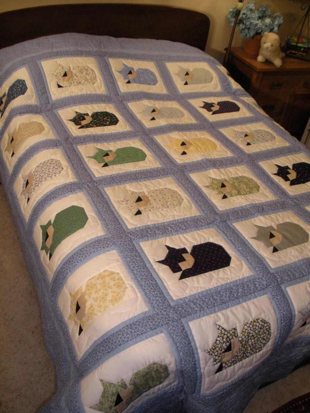 Items similar to Custom Sleeping Cats Quilt on Etsy