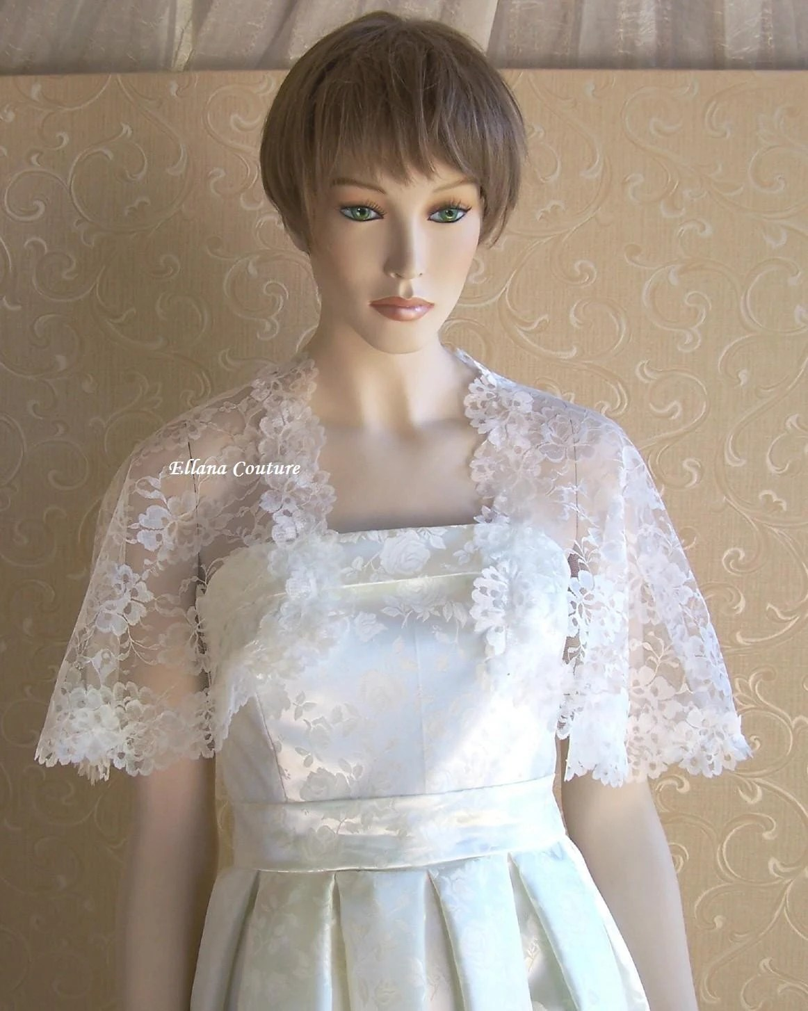 Retro Style Ivory Lace Capelet Vintage Inspired Look And