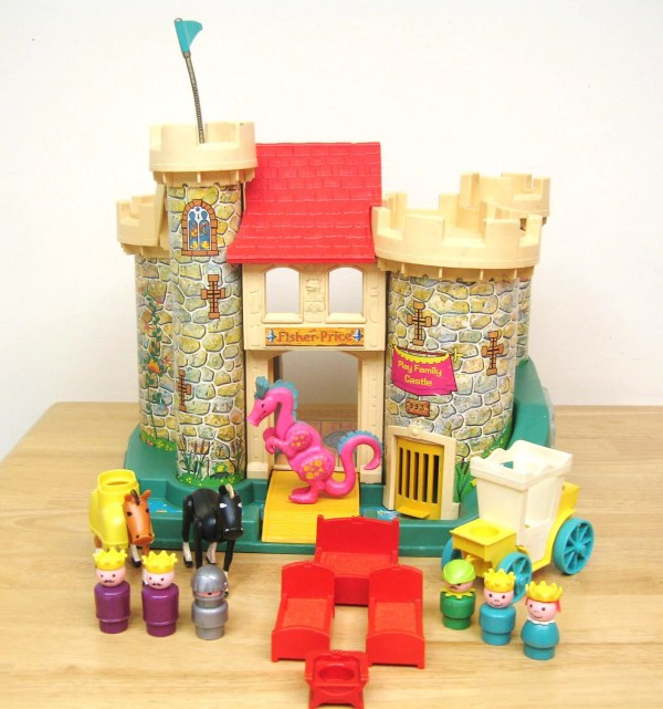 Vintage Fisher Castle Set