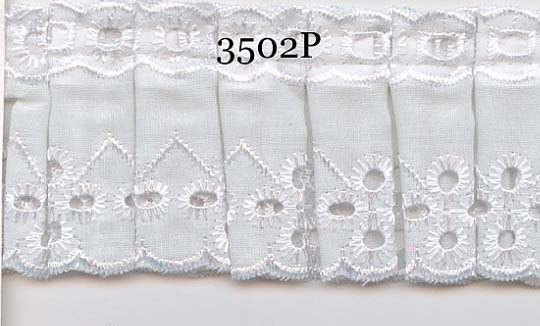 Box pleated white eyelet lace fabric sewing trim for baby