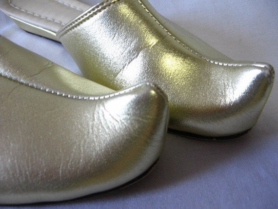 Vintage Gold Genie Slippers Wedge Shoes 6 by