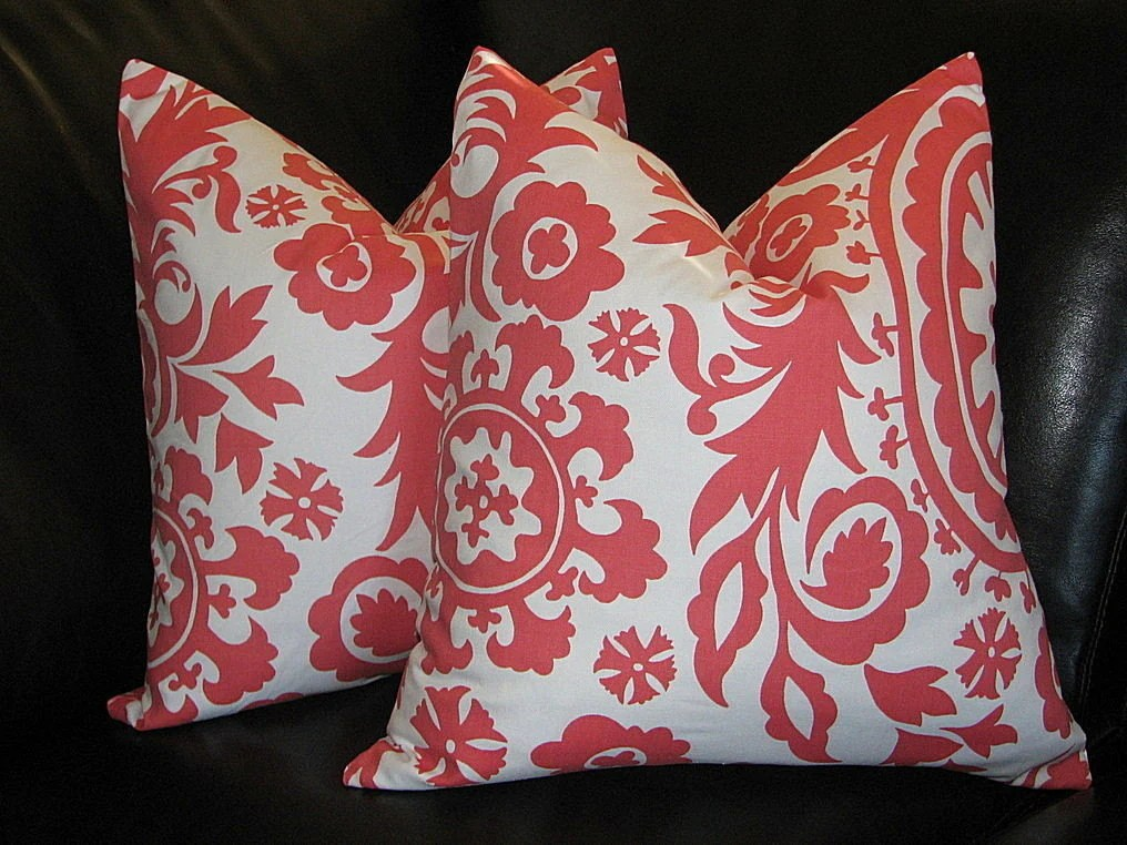 Items similar to PILLOWS Decorative Pillow Covers coral