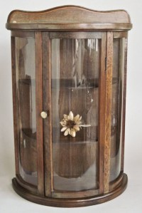 Curved Glass Curio Cabinet Mini Wall Hanging or Tabletop 13 x